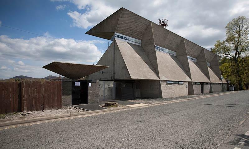hoy homenajeamos al arquitecto británico Peter Womersley (1923-1993) con una de sus creaciones más icónicas.