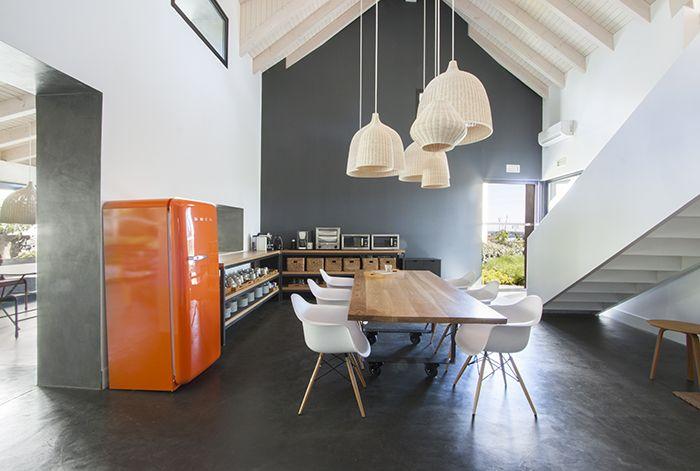 Proyecto interiorismo BATAVIA silla shell en la cocina, oficina Pozuelo