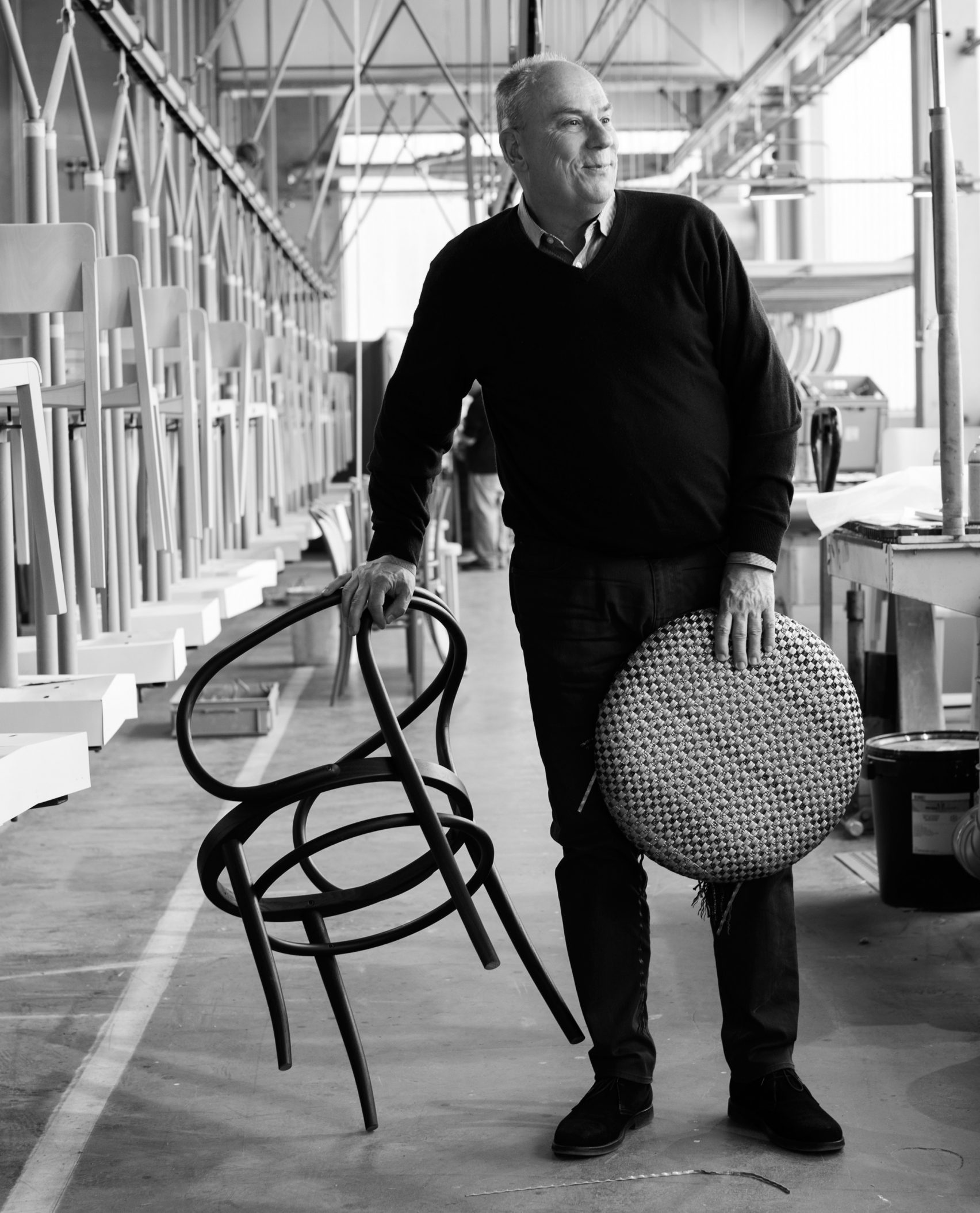 Philip Thonet con la silla 209