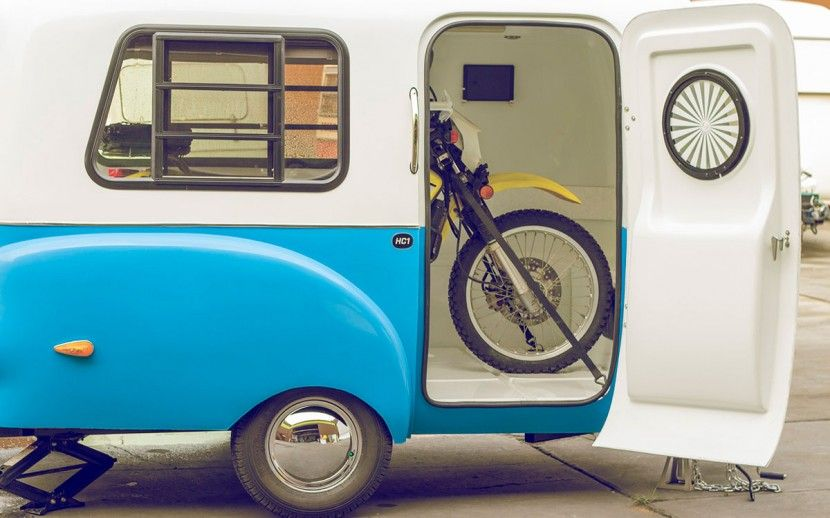 caravana transporta moto