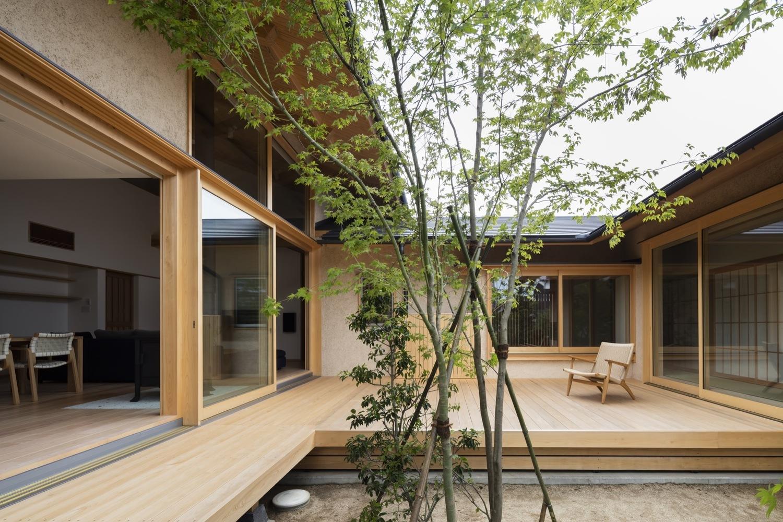 Takashi Okuno renueva tradiciones en su Casa Hiiragi