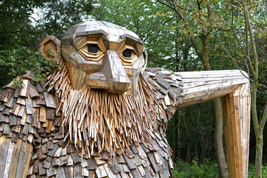 Gigante de madera de Thomas Dambo