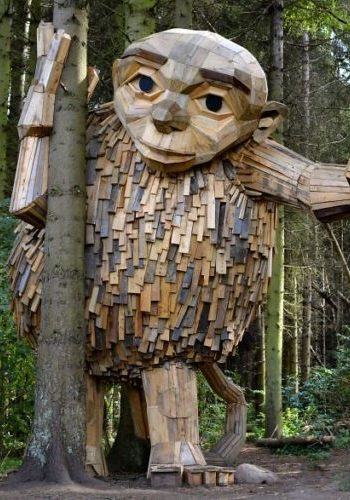 Unos gigantes leñosos acechan plácidamente en los bosques de Copenhague