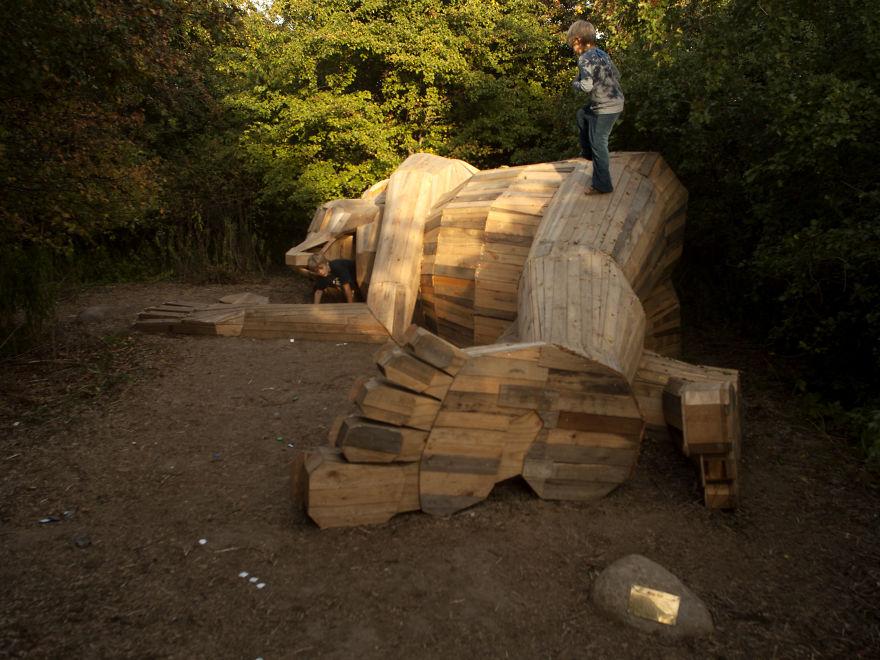 luis gigante madera thomas dambo