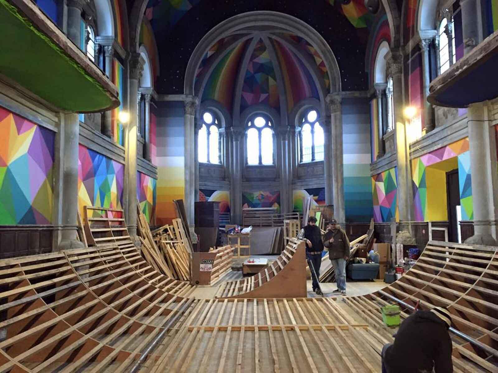 construccion pista patinaje en la iglesia de santa barbara