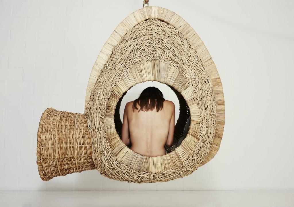 modulo de descanso inspirado en los nidos de las aves tejedores