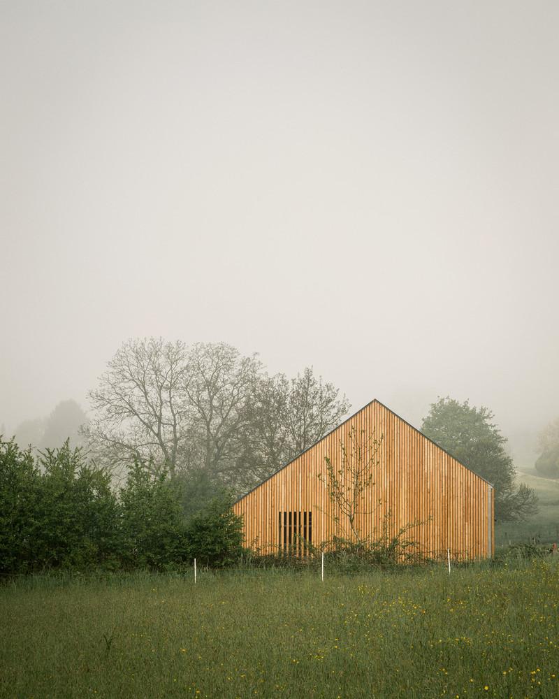 Mathieu Noël y Élodie Bonnefous firman un proyecto rural lleno de nostalgia