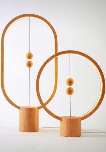 El interruptor flotante de Li Zanwen destierra la monotonía de las lámparas