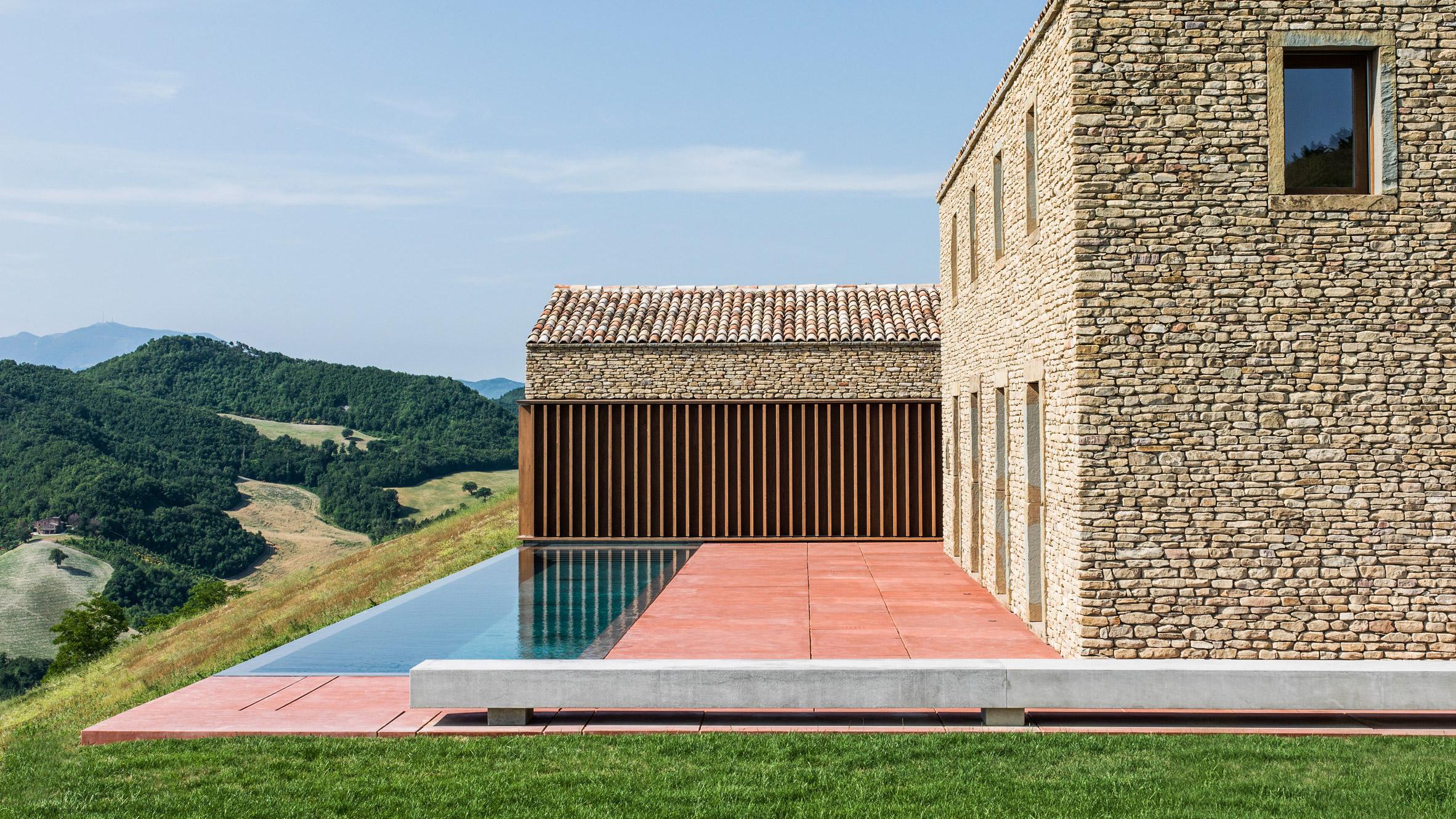 AP House: modernidad bien entendida desde las colinas de Urbino