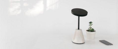 La lámpara Komorebi reproduce la luz del sol en cualquier habitación