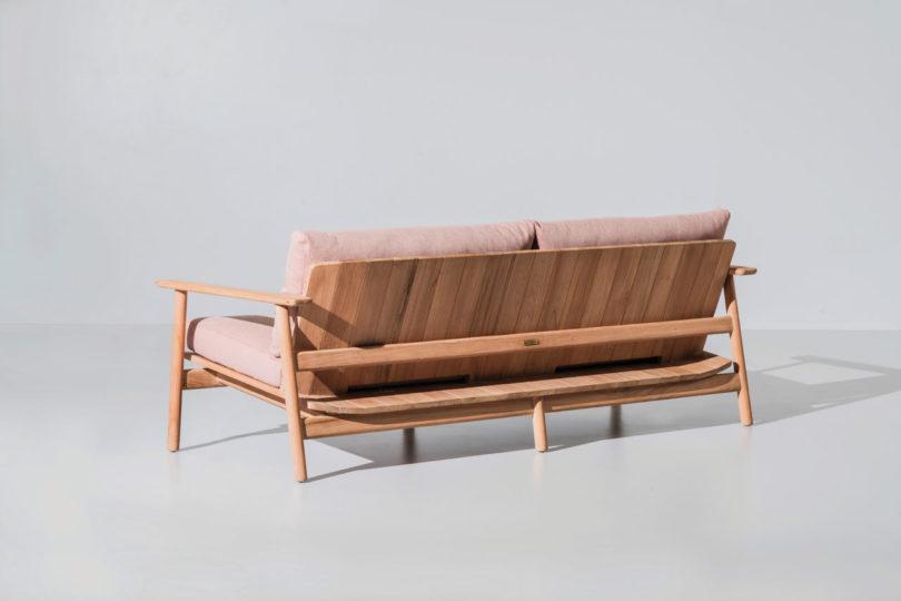 sofa visto por detras de la coleccion de kettal diseñada por jasper morrison