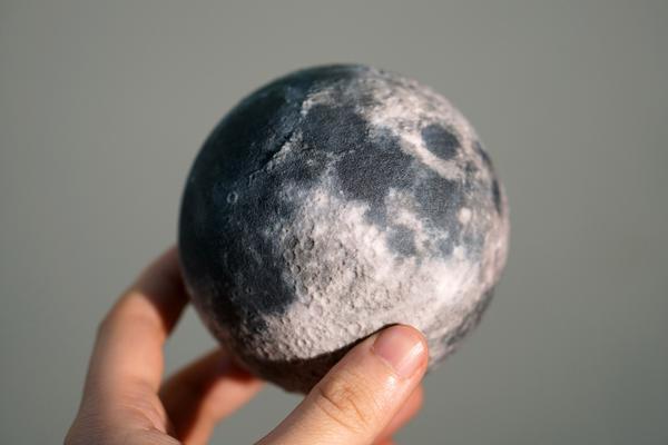 replica de la luna