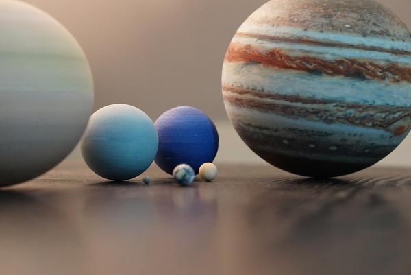 Little Planet Factory decora tu hogar con un pedacito del sistema solar
