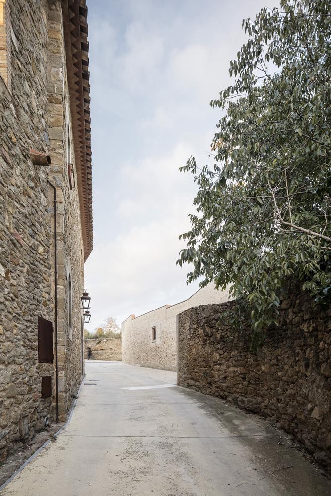 Casa 1413, nueva vida para un muro en el Bajo Ampurdán medieval