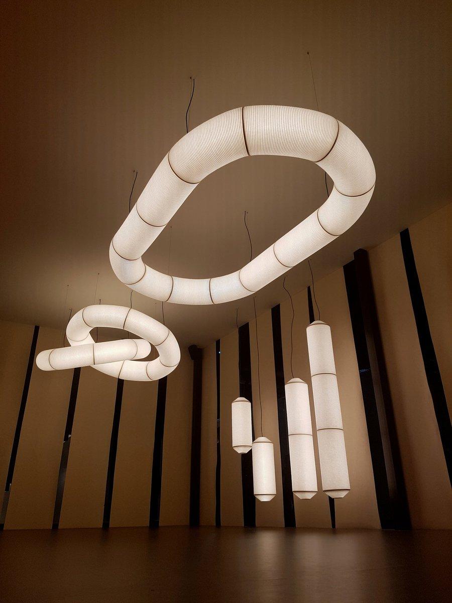 lampara teyko diseñada por anthony dickens