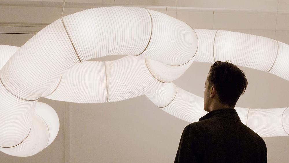 Anthony Dickens adapta los farolillos japoneses al diseño contemporáneo