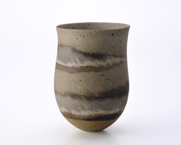 jarron de ceramica poroso de jeniffer lee
