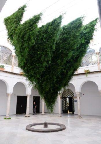 Las provocativas esculturas verdes de Loose Leaf Design Studio