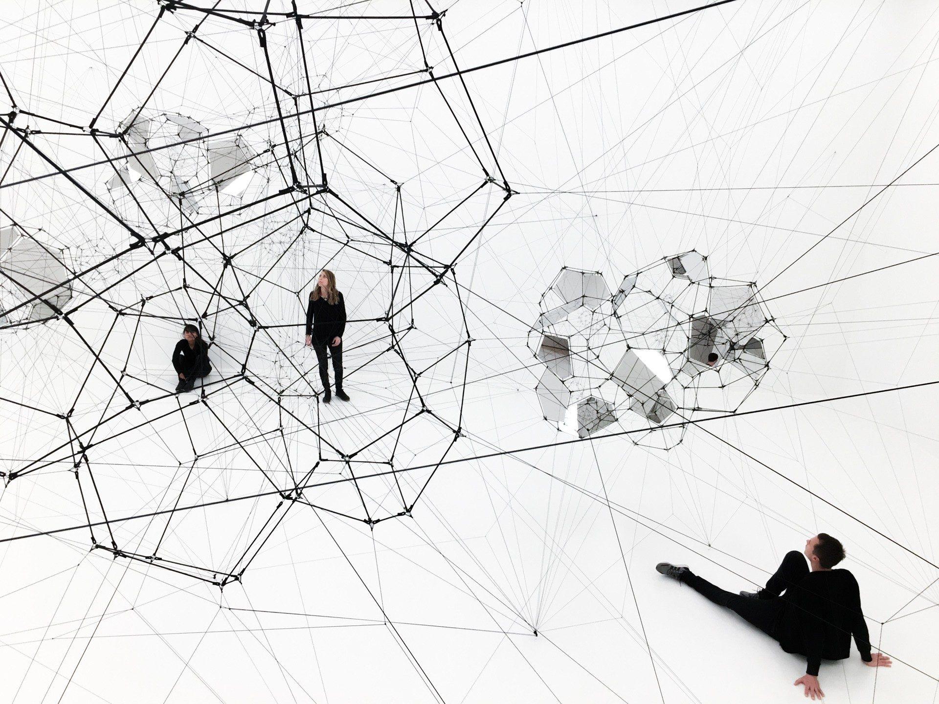 Stillness in Motion – Cloud Cities instalacion 2017 tomas saraceno