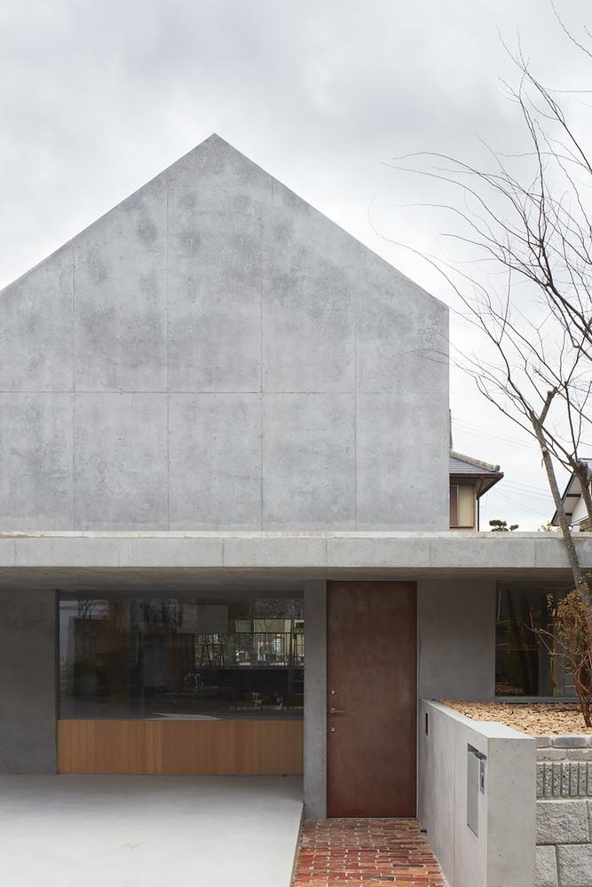 Tomohiro Hata propone terrazas flotantes para romper tradiciones en Japón