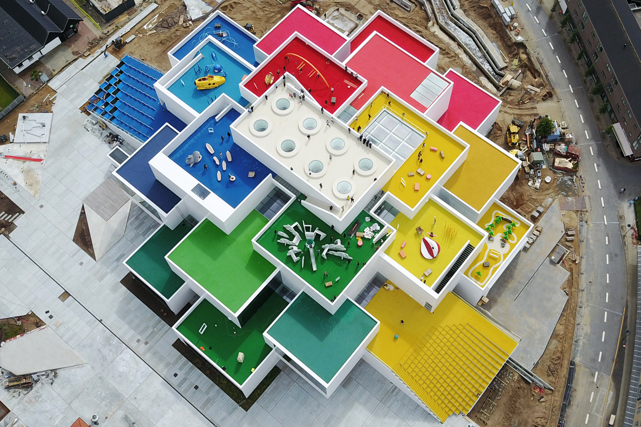 vista desde arriba de Lego House