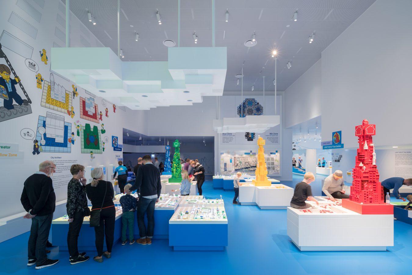 sala azul de lego house que aumenta las actividades cognitivas