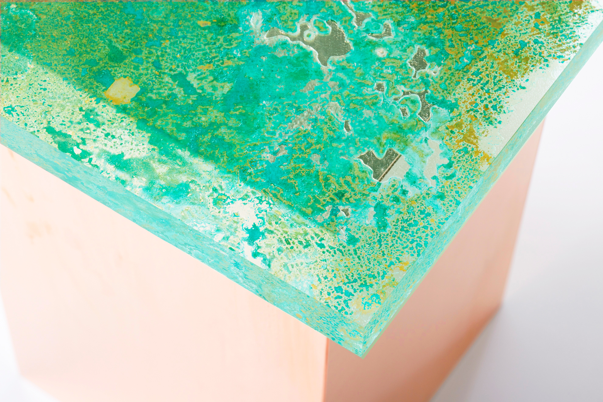 banco resultado de usar de plancha de cobre verdosa