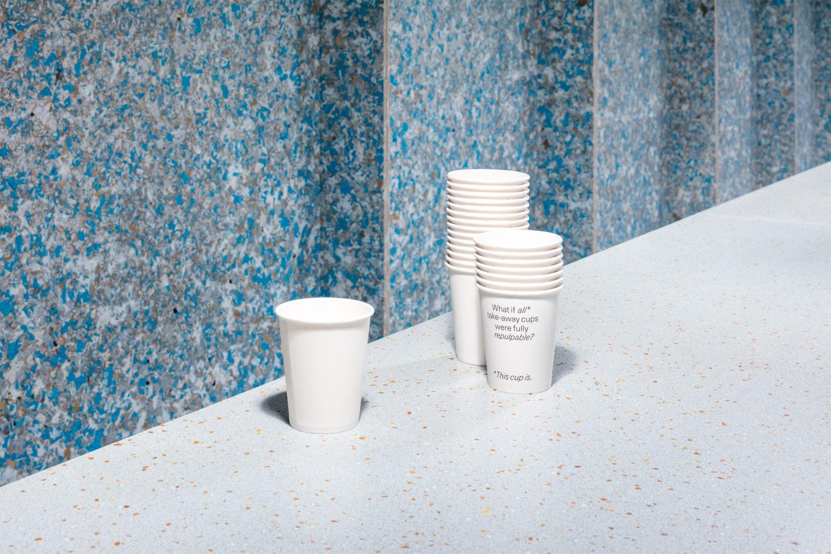 vasos reciclables en el zero waste bistro