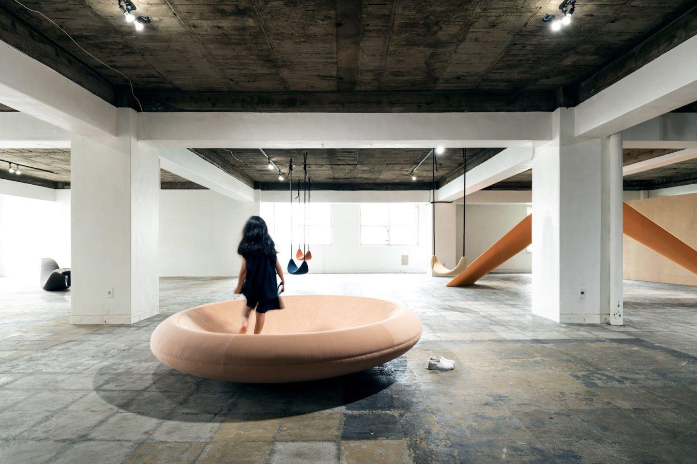 versión circular de un arenero para hacer equilibrio o recobrar fuerzas