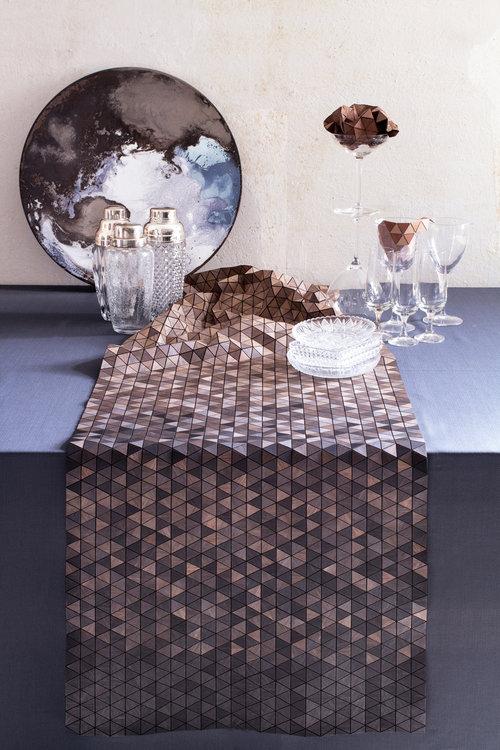 mantel de madera de la diseñadora Elisa Strozyk