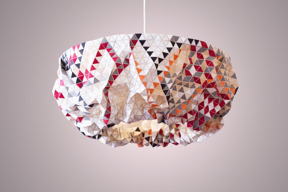 lampara creada en madera de la diseñadora Elisa Strozyk