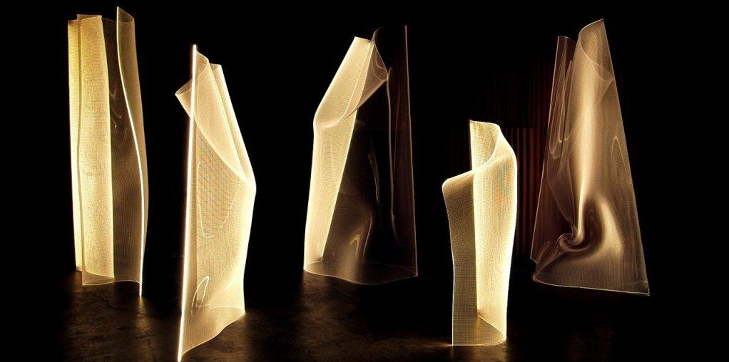 Gweilo, las lámparas-escultura que sueñan con bailar