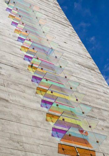 La luz y el color a raudales inundan los trabajos de Chris Wood