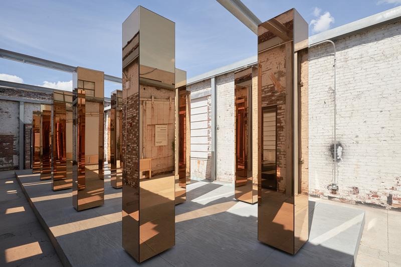 instalación spitit of the city de united visual artist