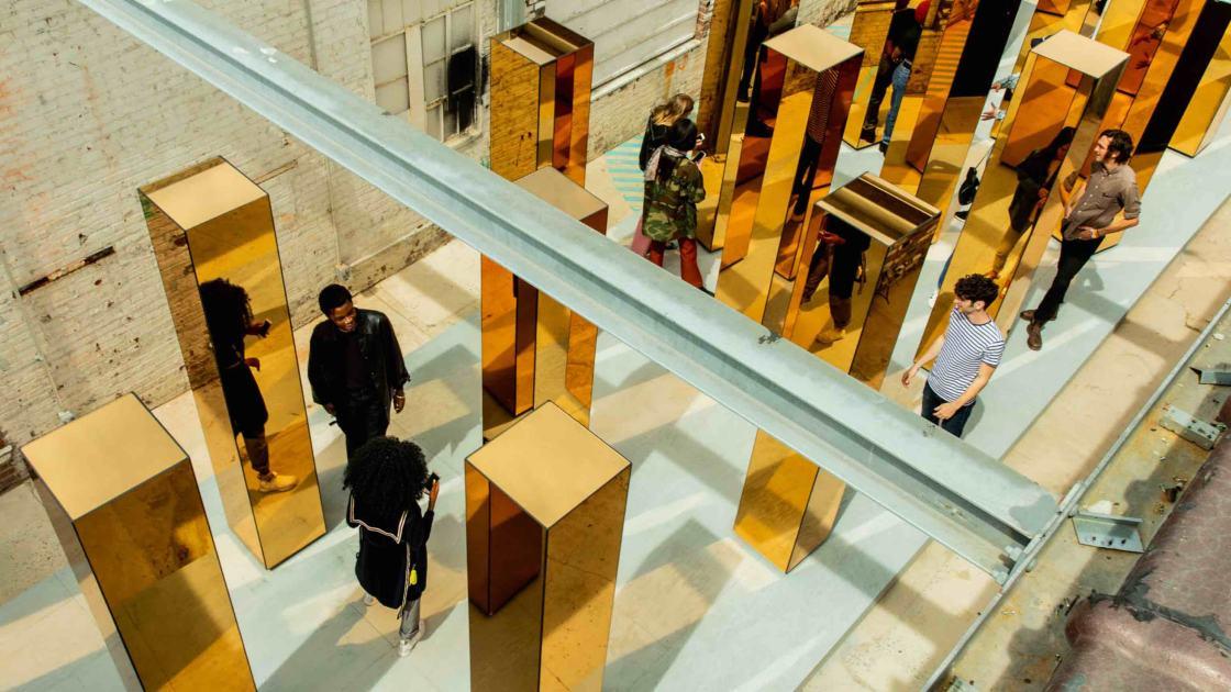 Spirit of the City instalación diseñada por Matt Clark