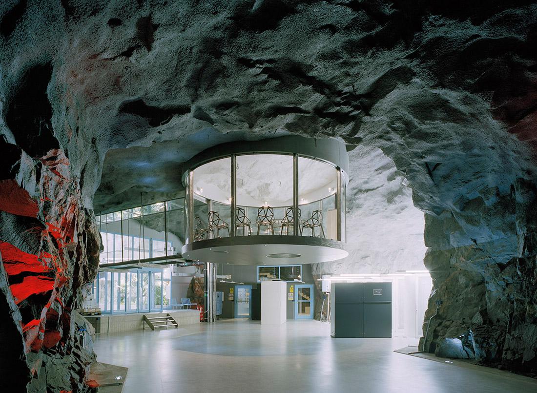 oficinas de Bahnhof situadas en un antiguo refugio nuclear