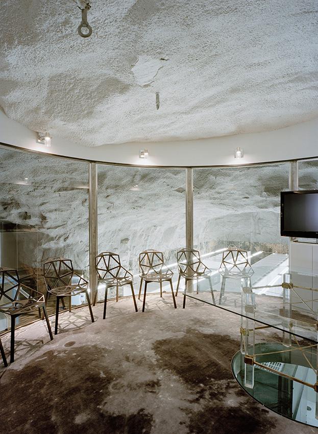 Interior de la sala de reuniones flotante de Bahnhof