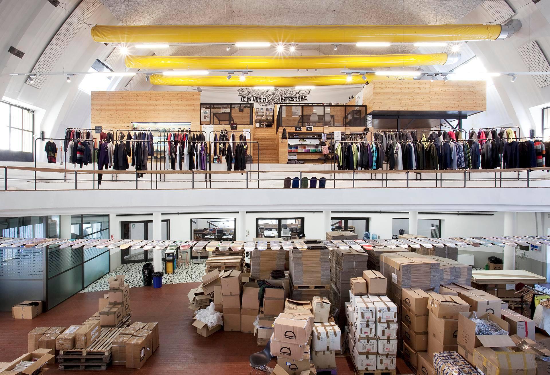 almacenes, expositores y oficinas de Bastard Store