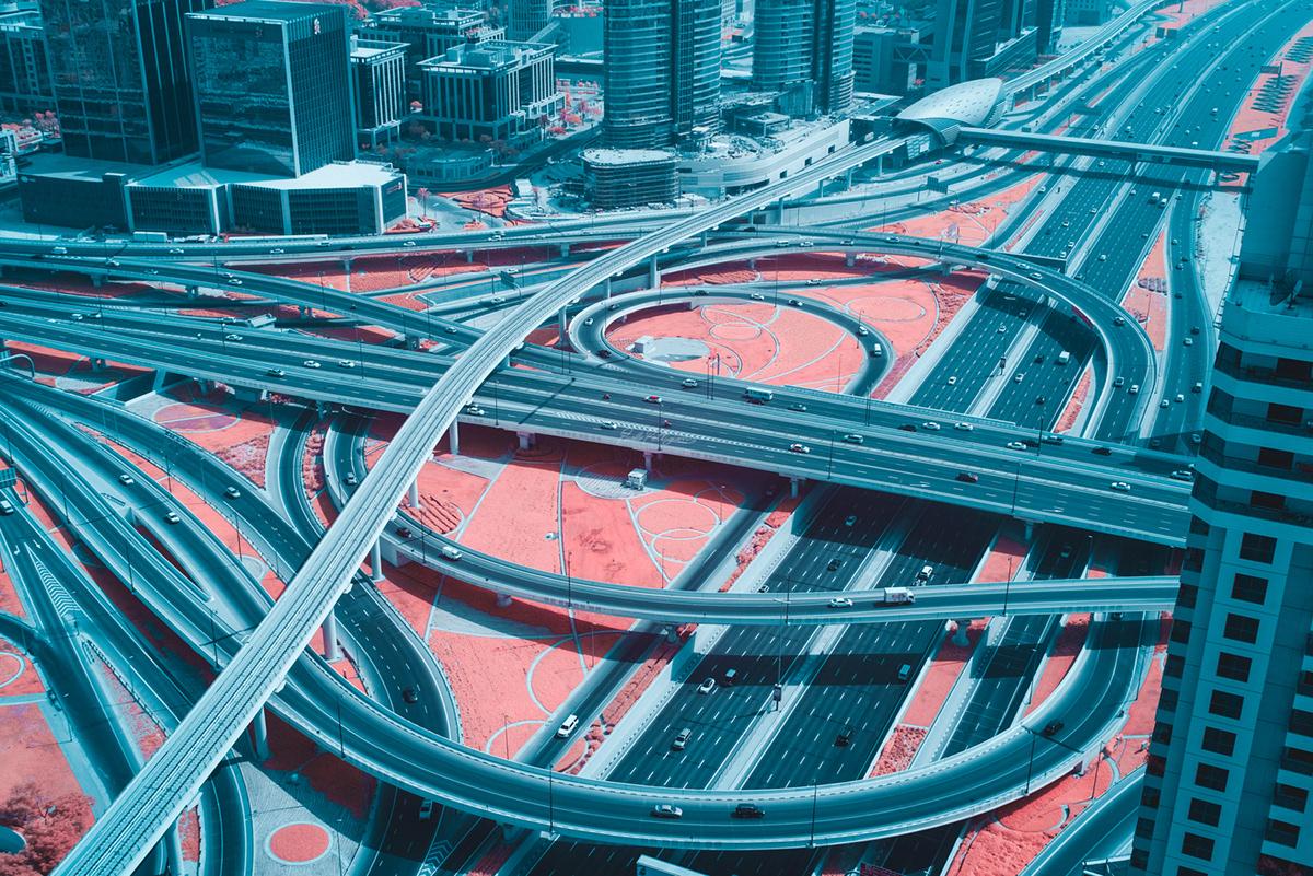 laberinto de carreteras en dubai fotografía de paolo pettigiani