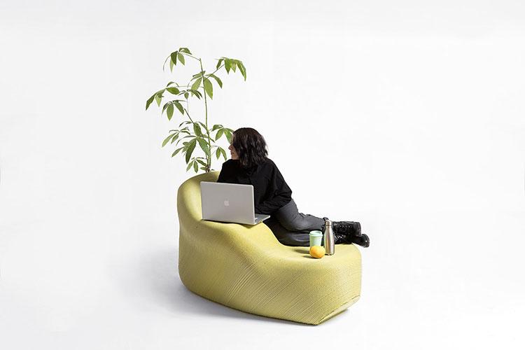 mobiliario urbano creado a base de residuos plasticos por the new raw