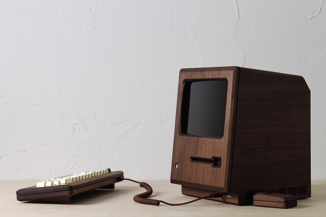 y ordenadores míticos, como el Commodore PET o el Apple Macintosh 128K.