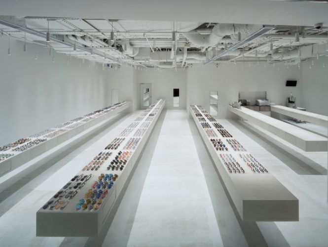 JINS tienda conceptual para captar de inmediato la atención de los compradores