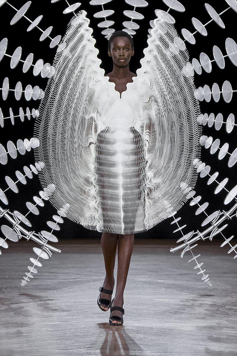 detalle del vestido mezcla armoniosa de diseño digital y alta costura
