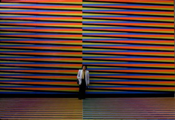 obra «Cromointerferencia de color aditivo» del aeropuerto internacional Simón Bolívar