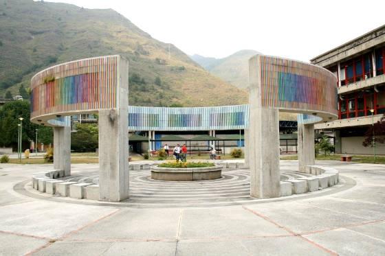 obra Inducción cromática por cambio de frecuencia de doble faz en Universidad de Mérida