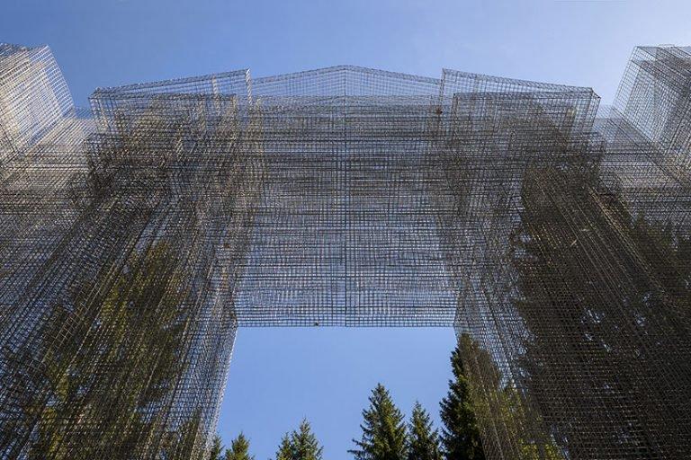 simbiosi instalacion de 5 metros de altura
