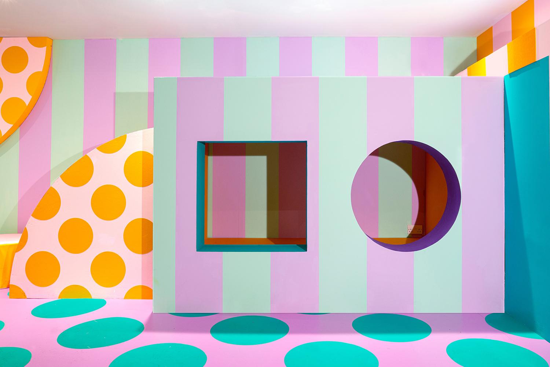 casa house of dots una instalacion de camile walala para lego