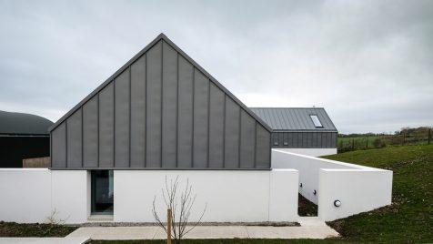 House Lessans, una versión contemporánea de la granja norirlandesa