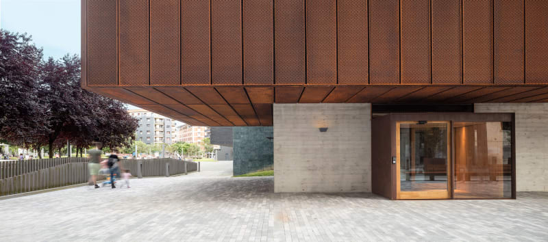 Equipo Diseño: GERARD CODINA MAS, ARQUITECTO TÉCNICO SALVADOR BOU GRACIA, ARQUITECTA MERCEDES SÁNCHEZ HERNÁNDEZ