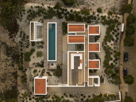 Una casa fragmentada como refugio ideal en el Alentejo
